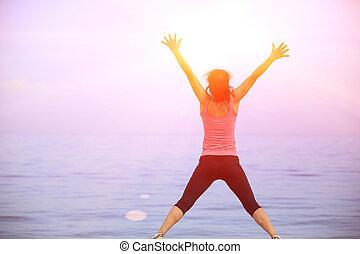 costas, de, mulher feliz, pular, litoral