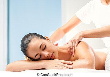 costas, mulher, massage., jovem, spa, tendo