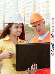 costruzione, due, architetti, luogo, fronte, lavori in corso