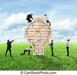 costruzione, uno, nuovo, creativo, idea., persona affari, costruito, insieme, uno, grande, muro di mattoni, con, disegnato, lightbulb