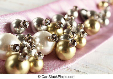 costume jewelry beadwork - Costume jewelry from beads and ...
