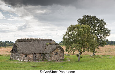 Cottage at Culloden Battlefield - Eighteenth century thatch...