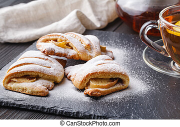 Cottage cheese cookies with apples and cinnamon with tea