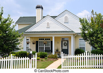 Cottage House - Cottage Style Home
