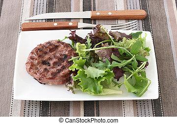 cotto ferri, hamburger, insalata