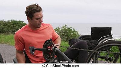 couché, homme, handicapé, fatigué, bicyclette voyageant, ...