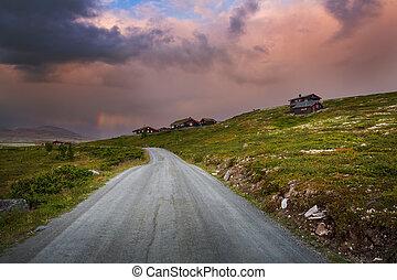 coucher soleil, à, huttes, dans, norvège