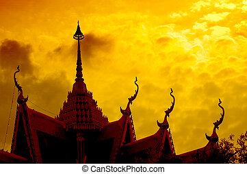 coucher soleil, à, temple, silhouette