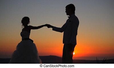 coucher soleil couples, fond, danse
