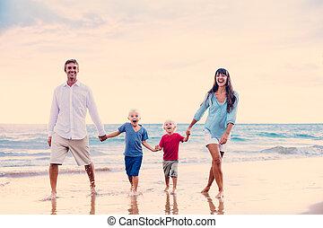 coucher soleil, famille, heureux