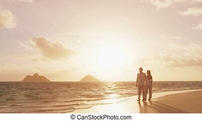 coucher soleil, lune miel, romantique, hawaï, plage, marche, couple
