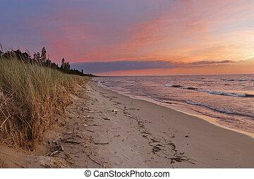 coucher soleil, sur, a, huron lac, plage