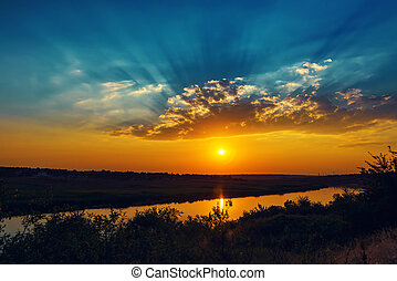 coucher soleil, sur, bon, nuages, rivière