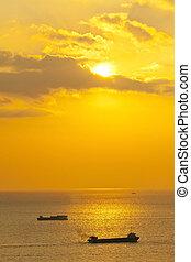 coucher soleil, sur, les, mer