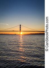 coucher soleil, sur, les, pont, dans, ecosse