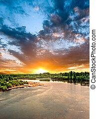 coucher soleil, sur, les, rivière