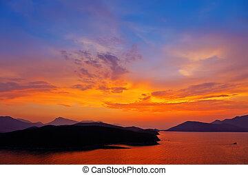 coucher soleil, sur, mer méditerranée