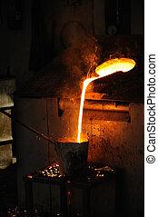 coulage, fonderie, tour, -, métal, versé, fondu