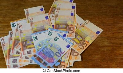 Counting money, Euros