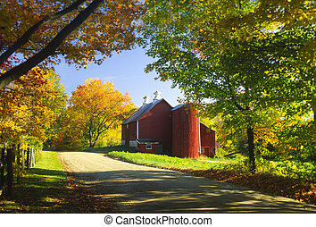 Country barn on an autumn afternoon., Stowe, Vermont, USA