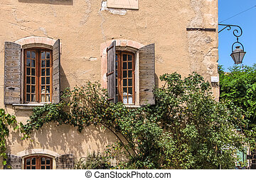 Country house in the Provence village Oppede-Le-Vieux