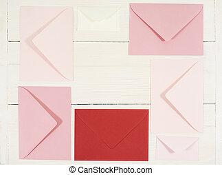 coup, au-dessus, directement, cinq, enveloppes, rouges