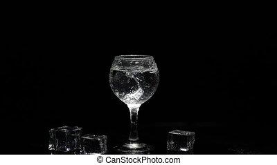 coup, contre, noir, vodka, boisson, ajouter, cube, arrière-...