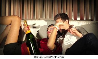 coup, opium, club, couple, space., jeune, barcelone, club, regarder, libéré, acteurs, ensemble, amusement, modèle, avoir, espagne, frais