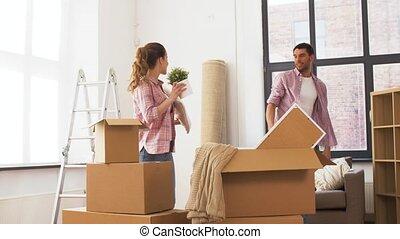 couple, élevé, maison mobile, cinq, nouveau, confection