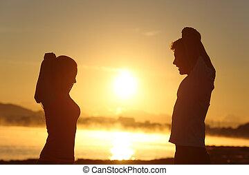 couple, étirage, silhouette, levers de soleil, fitness
