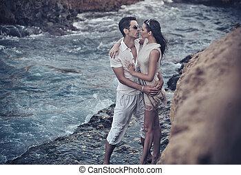 couple étreindre, aimer
