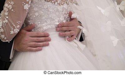 couple étreindre, mariage