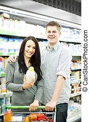 couple, achats, jeune, supermarché