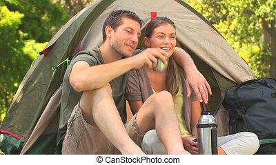 couple, aller, séduisant, camping