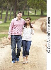 couple, apprécier, parc, romantique, promenade