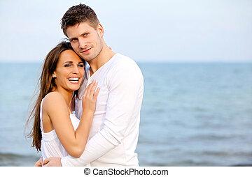 couple, apprécier, plage, heureux