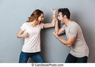 couple, argument, jeune, furieux, portrait, avoir