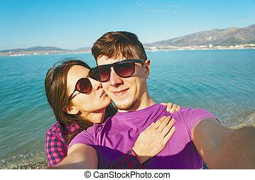 couple, autoportrait, plage, prendre, aimer