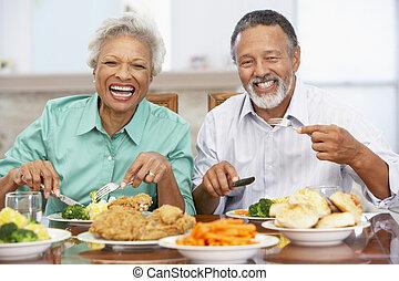 couple, avoir déjeuner, ensemble, chez soi