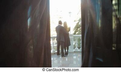 couple, balcon