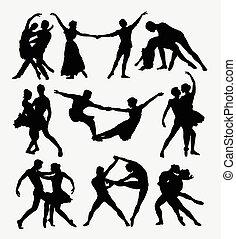Couple ballet dancinbg silhouettes