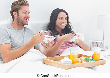 couple, beau, céréale petit déjeuner, manger