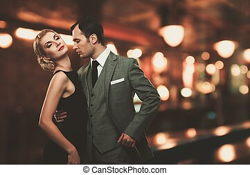 couple, brouillé, sur, fond, retro