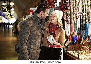 couple, carrée, achats, marché