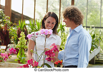 couple, centre commercial, jardin