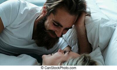 couple, chambre à coucher, baisers, 4k, lit