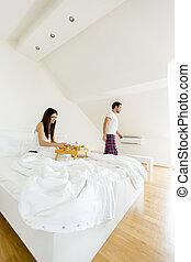 couple, chambre à coucher