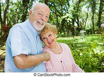 couple, copyspace, personne agee
