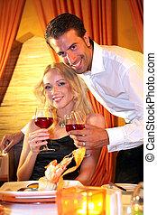 couple dîner, dans, a, fantaisie, restaurant
