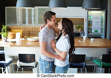 couple, dans, embrasser
